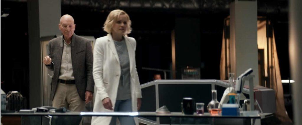 PIC-S01E01-Remembrance-Picard mostra colar de Rahj para Jurati